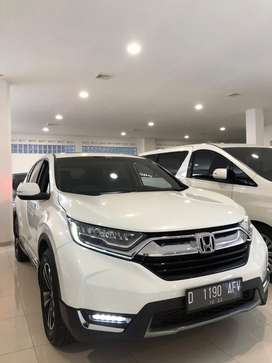 Cr v Lowkm19rb crv turbo prestige 2017 at putih sunroof bandung 1tgn
