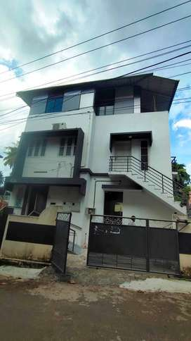 Office Space For Rent At Nanthencode Near Palayam 9000