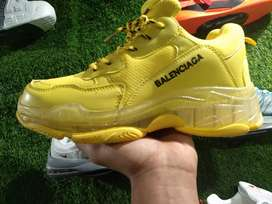 Brand shoe in cheapest price 7aa quality