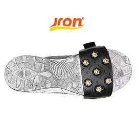 Jron alas sepatu jalan di es salju lumpur permukaan licin