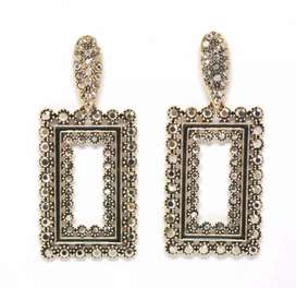 Black & Gold/Silver earrings for Women & Girls (New Condition)