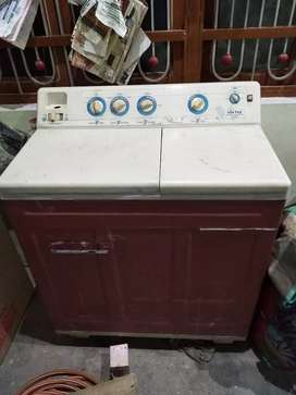 A1 condition VOLTAS  model-Master Laundrette Deluxe,all is ok