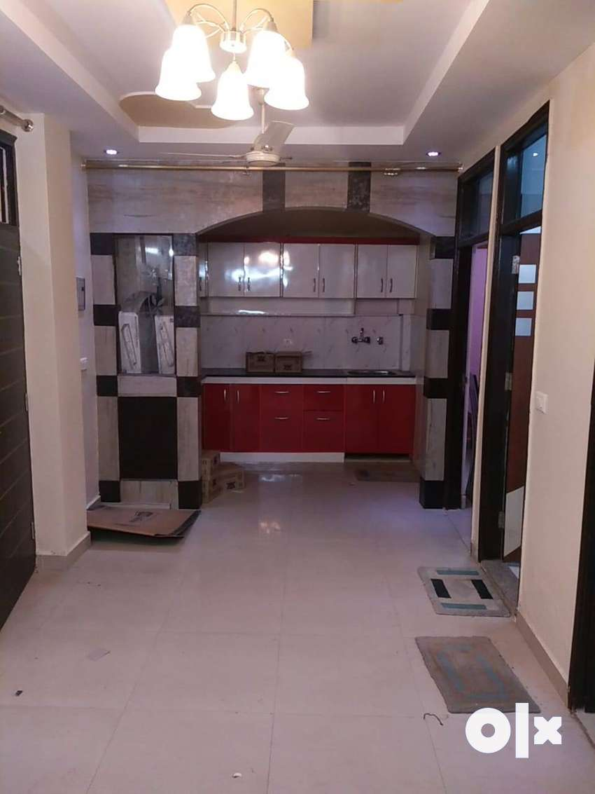2bhk top floor with roof right in Sewak Park Dwarka mor 0