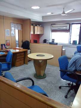 1100Sqft Fully Furnished Office on Rent at Bhandarkar Road Near Yes Ba