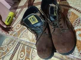Dijual sepatu caterpillar