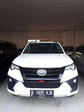 "Toyota Fortuner VRZ TRD Matic ""2018"" Putih"