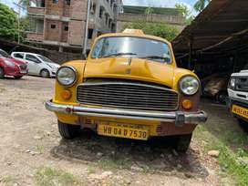 Well maintained yellow taxi