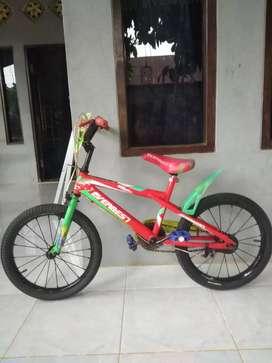 Sepeda BMX anak