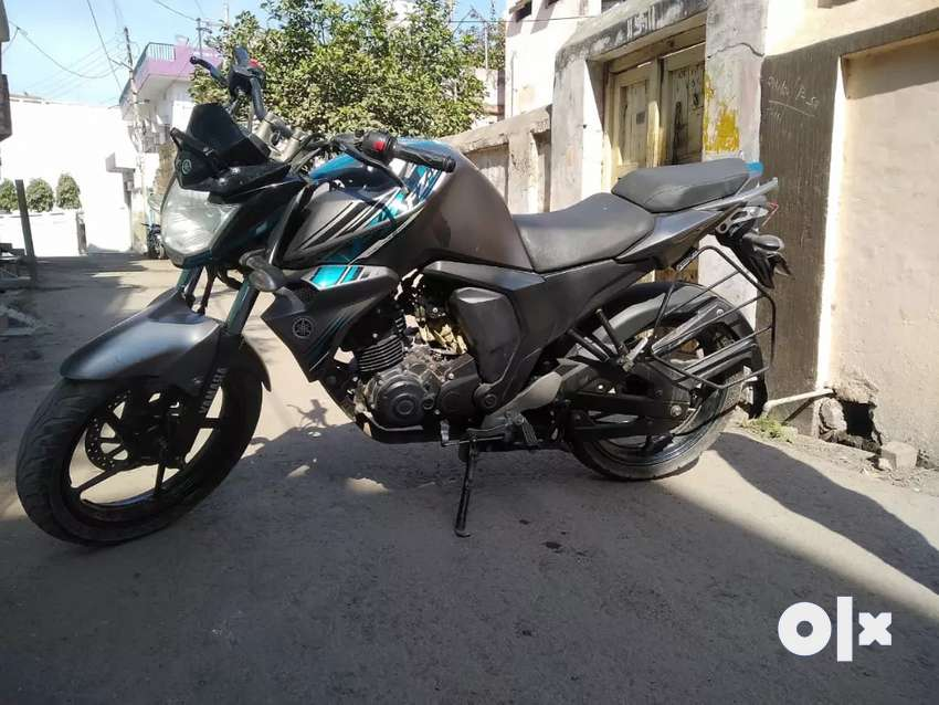 I want to sell my Fzs 2018 model in well maintain condition 0