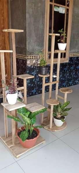 Tempat pot bunga dari kayu jati