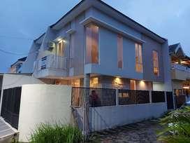 JUAL MURAH !!  Rumah Rungkut Asri Tengah ,NEW GRESS, dekat MERR