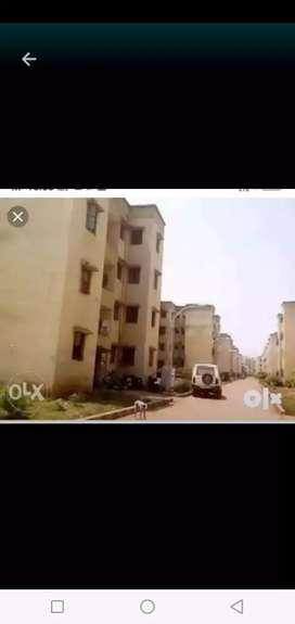Parijat me second( 2) floor  hai