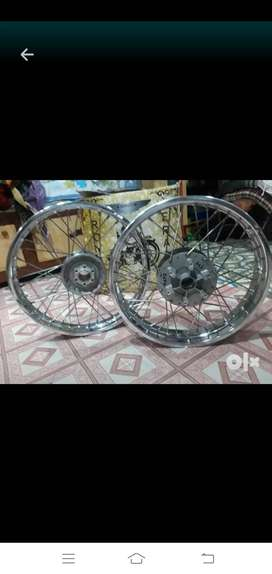 Original thunderbird 350 spoke wheels