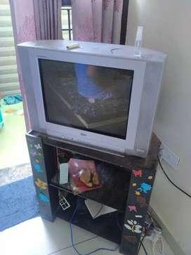 LG TV selling