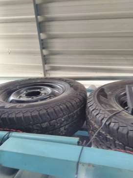 Bolero wheel disk four no and two new tyrers