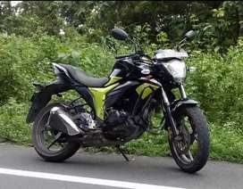 In a very Good condition, Suzuki Gixxer 155, Duel Disk. New tyres.