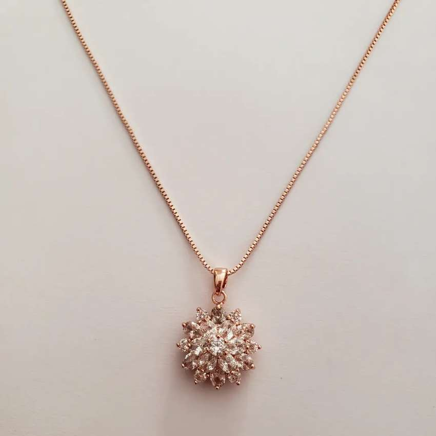 Rose gold necklace 0