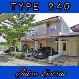 rumah seken 2 lantai type 240 di jalan satria sail