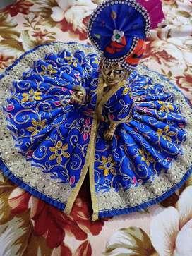Dresses and idol of Kanhaji
