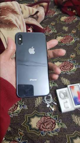 Iphone x black 64 gb with accessories