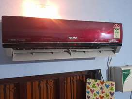 New VOLTAS  5star split AC on sale well maintained and well finish