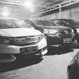 ready all unit mobil untuk jasa transportasi sewa mobil murah Jogja