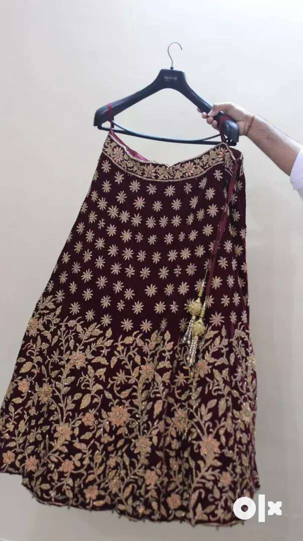 Bridal lehnga with unstiched blouse and heavy dupatta 0