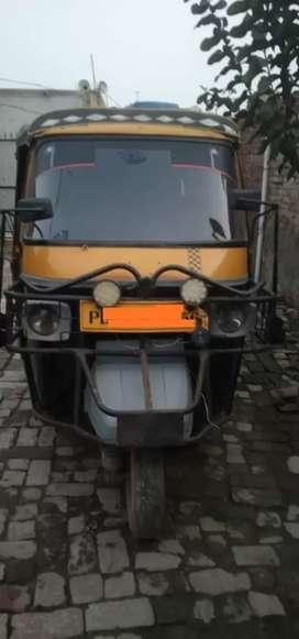 Piaggio three wheeler auto tempo passanger self start finnance facilit