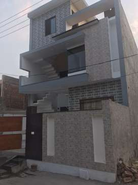 First floor of Kothi for rent at Akash Avenue
