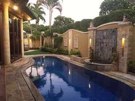 Villa Luas dan Cantik di pusat Sanur jalan kaki ke pantai