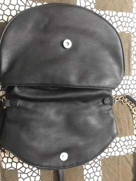Sling black leather bag - Immediate available for sale