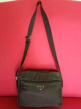 Tas import eks PRADA made in Italy ad no seri sling bag simpel