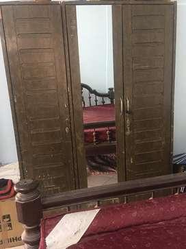 3 door wooden wardrobe with mirror