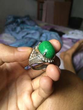 Di jual cincin peninggalan dari kakek,yang paham soal batu cincin aja