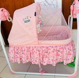 Baby swing / ayunan bayi otomatis