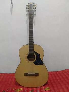 Gitar akustik Kapok