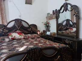 Bed set:, Dressing Table, Bed and 2 Side Tables