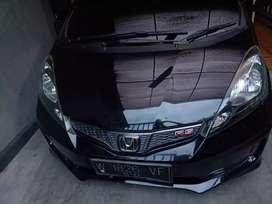 HONDA JAZZ RS GE 8 TH 2013 HITAM