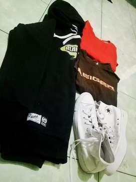 Hoddie dan Sepatu