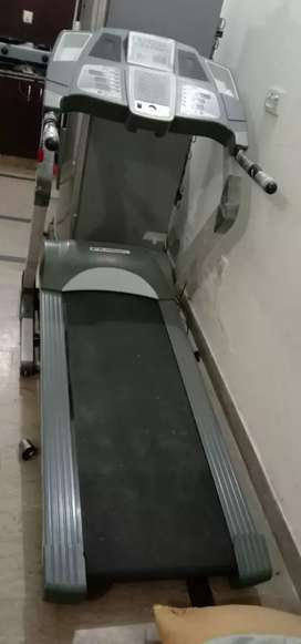 TreadMil American fitting loading capacity 150Kg