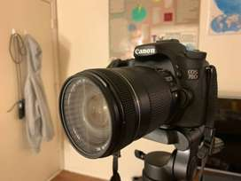Canon 70D camera with lens full box
