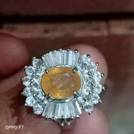 Batu natural est yellow sapphire
