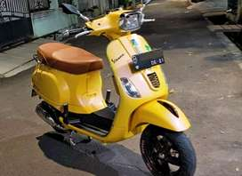 Vespa S 125 kuning modifikasi siap gas