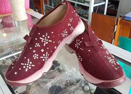 Sneakers Merah Size 39