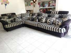 Exclusive Sofa set with all pillow