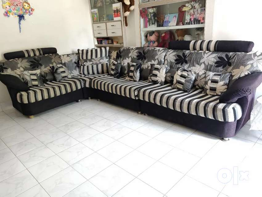 Exclusive Sofa set with all pillow 0