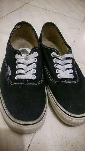 Sepatu vans autentic original