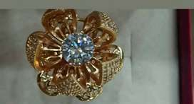 Beautiful flower  moving ring