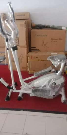 Sepeda statis eleptical bike aerobic ( bisa untuk jogging )