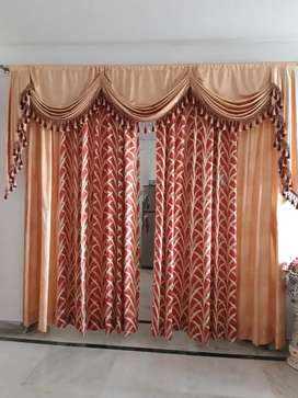 Curtain drawing room